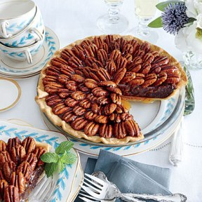 salted-caramel-chocolate-pecan-pie-l